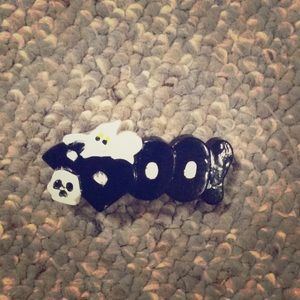 """Other - Halloween barrette that says """"BOO"""" with goust"""